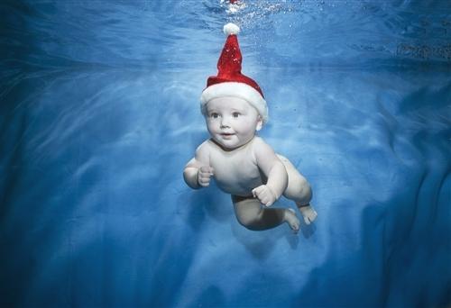 Дети плавают зимой