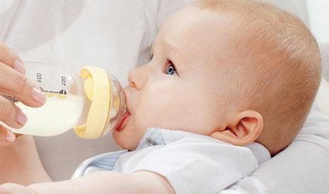 Как выбирать для ребенка бутылочку