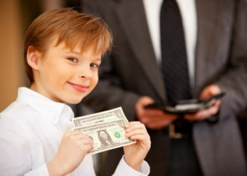 Давать ли деньги подростку