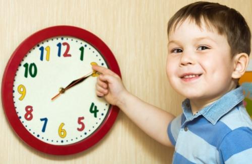 Как приучить ребенка соблюдать режим дня