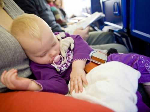 Авиапутешествие с грудным ребенком