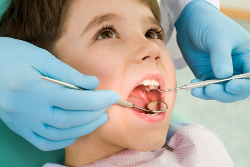 Особенности посещения стоматолога с детьми