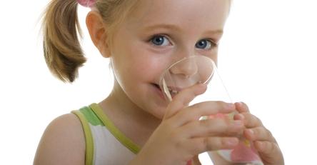 Сколько воды в день должен пить ребенок