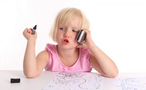 Когда своему ребенку можно покупать телефон, планшет, компьютер?