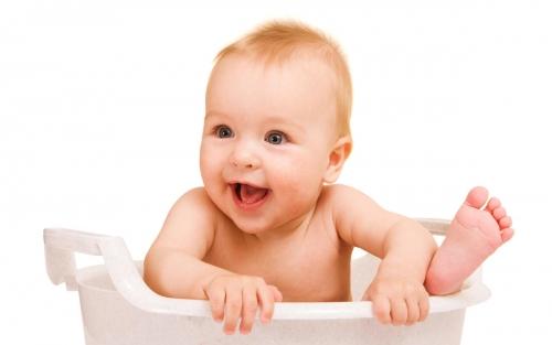 Полезные советы молодым матерям. Как купать младенца?