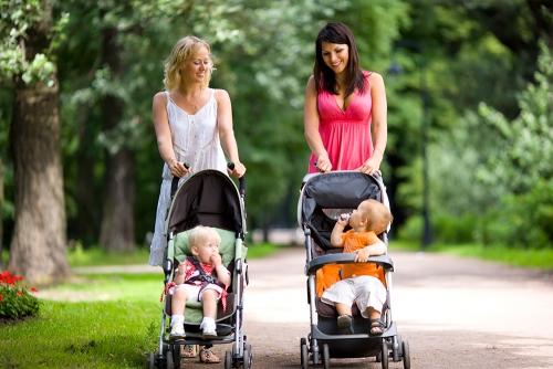 Как правильно купить хорошую и надежную детскую коляску?