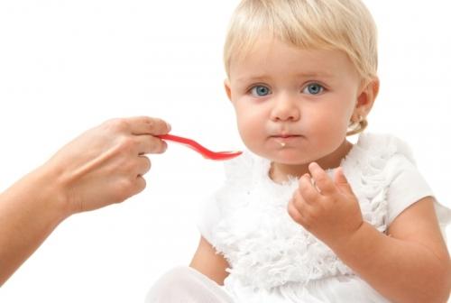 маленький ребенок как начать прикорм