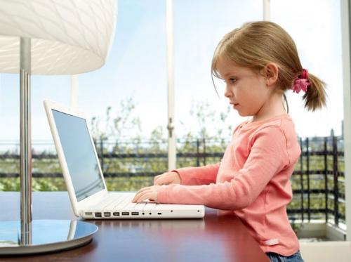В каком возрасте желательно знакомить детей с компьютером