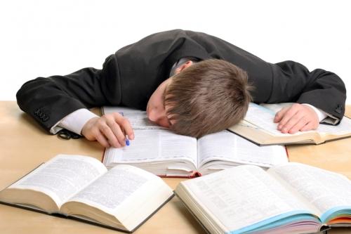Ребенок не успевает в школе. Возможно он плохо спит?