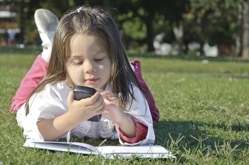 Нужен ли ребенку в школе телефон? Аргументы «за»
