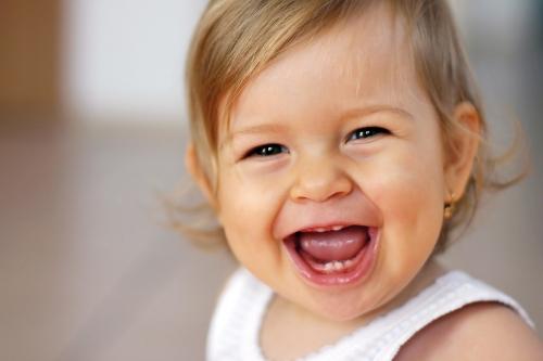Об облегчении прорезывания первых зубов и их чистке