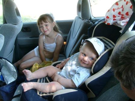 Ребенка укачивает в транспорте. Что делать?