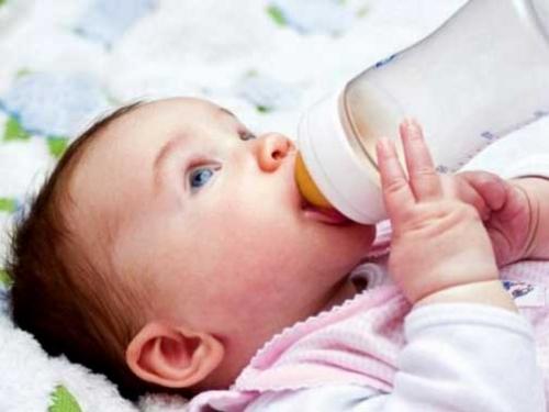 Выбираем бутылочку для кормления ребенка