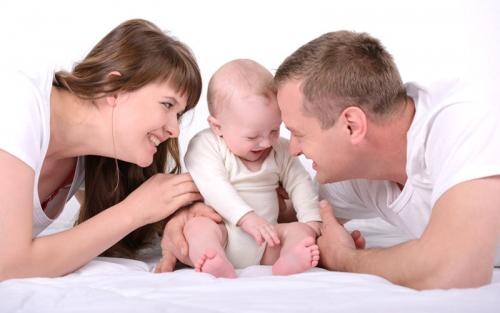 Учимся правильно разговаривать с младенцем