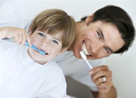 Если у ребенка необычно или малоприятно пахнет изо рта…