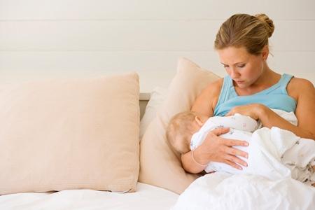Что следует делать родителям, укладывая ребенка спать