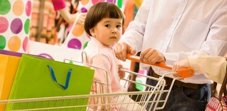 Как вести себя родителям во время шоппинга, слыша настырное детское «Хочу!»?