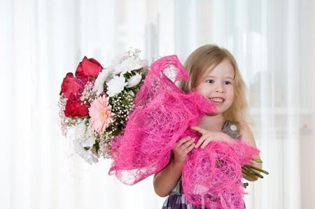 Варианты подарков любимой дочери на праздник